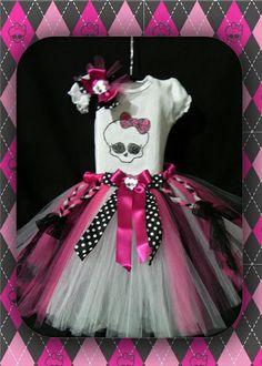 "Inspired by Monster High By ""Só Meninas""- www.sm73.com.br www.facebook.com/someninas73 Márcia Reinmuller"