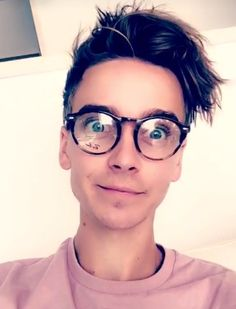 Joe Sugg and those glasses<3