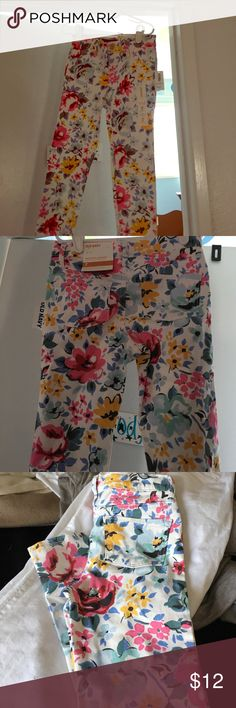Floral Rockstar Jeggings jean material Old Navy NWT floral jeans . Ready for Spring soft and stretchy Old Navy Bottoms Jeans