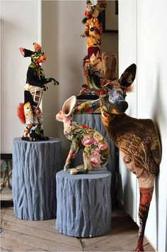 just love these.So very cool! Tapestry Trends: Frédérique Morrel Tapestry Taxidermy - a look at the artist's home and studio, Image Source Tracy Lee Lynch Sculpture Textile, Art Textile, Soft Sculpture, Frederique, Faux Taxidermy, Paperclay, Arte Popular, Animal Sculptures, Fabric Art