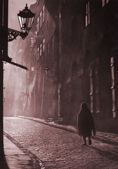 Piwna>>Wrong time period, but this reminds me of Sydney roaming the streets at night. Central And Eastern Europe, Warsaw Poland, The Beautiful Country, Lost City, City Photography, Krakow, Old Photos, Photo Black, Slovenia