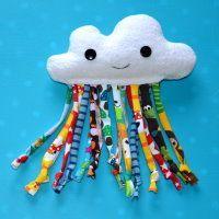Wolkenrassel, babyspielzeug, rassel, babyrassel, jerseystoffreste, stoffreste, ideen, für kinder, geschenkideen, für babies, nähanleitung, anleitung, wolke