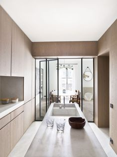 How To Incorporate Contemporary Style Kitchen Designs In Your Home Office Interior Design, Kitchen Interior, Kitchen Decor, Skandi Kitchen, Modern Interior, Espace Design, Quirky Kitchen, Gravity Home, Cuisines Design