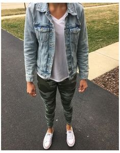 Legging Outfits, Camo Leggings Outfit, Jean Jacket Outfits, Camo Outfits, Sporty Outfits, Outfit Jeans, Nike Outfits, Stylish Outfits, Leggings Outfit Summer Casual