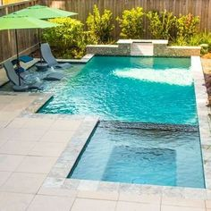 Extraordinary Small Pool Design Ideas For Small Backyard 31 Swimming Pool Prices, Amazing Swimming Pools, Small Swimming Pools, Swimming Pools Backyard, Swimming Pool Designs, Lap Pools, Indoor Pools, Small Inground Pool, Indoor Swimming
