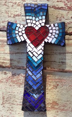 Shades of Blue Cross - Medium Wooden Cross Crafts, Wooden Crosses, Crosses Decor, Wall Crosses, Mosaic Art Projects, Mosaic Crafts, Mosaic Pots, Mosaic Glass, Vitromosaico Ideas