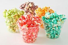 KOOL-Aid Popcorn § Hint: Use a much bigger bowl than it takes to hold the popcorn (a canning pan or any pot with tall sides). Jell-O brand has an amazing popcorn recipe too! Kool Aid Popcorn Recipe, Flavored Popcorn, Popcorn Flavours, Delicious Desserts, Yummy Treats, Sweet Treats, Yummy Food, Kraft Recipes, Popcorn Snacks