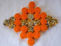 Crafts To Do, Hobbies And Crafts, Arte Pallet, Yo Yo Quilt, Crochet Potholders, Mug Rugs, Vintage Crochet, Holiday Ornaments, Quilt Patterns