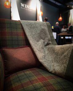 Scotland Collection de Wind Exclusive Design | Quadres, harris, paisley i llis en llanes aptes per decoració i tapisseria. / Cuadros, harris, paisley i lisos en lanas aptas para decoración y tapicería.