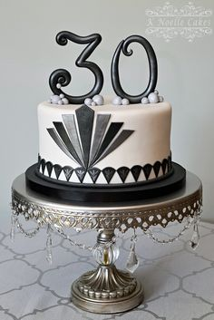 The Great Gatsby theme cake by K Noelle Cakes