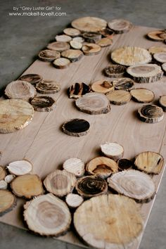 Make Your Own Wood Slice Backdrop Scrap Wood Art, Wood Wall Art, Tree Slices, Wood Slices, Wood Slice Crafts, Wood Crafts, Fireplace Pictures, Circle Crafts, Wood Circles
