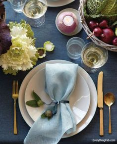 Home: Eleven Ace Ways To Set The Table (Casual style: Decorating with veggies, via Everything Fabulous)