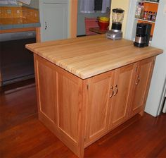 Custom Amish furniture from Dutchcrafters - custom kitchen island