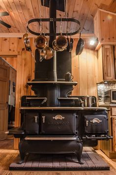 Classic Woodie. Now THIS is a stove!!