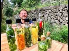 ACEITES AROMÁTICOS PREPÁRATE LOS TUYOS - GUILLE RODRIGUEZ - YouTube Voss Bottle, Water Bottle, New Cooking, Lavander, Fermented Foods, Healthy Tips, Aromatherapy, The Cure, Perfume