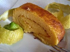 Torta de limão - http://www.mytaste.pt/r/torta-de-lim%C3%A3o-23968842.html