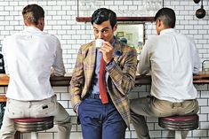Wall Street Journal article- men in America are starting to pick up on Italian men's fashions. Rawr, yes please!