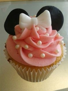 New cupcakes birthday ideas for girls minnie mouse Ideas Girl Cupcakes, Birthday Cupcakes, Cupcake Cakes, Minnie Cupcakes, Lemon Cupcakes, Strawberry Cupcakes, Minnie Mouse Theme Party, Minnie Mouse 1st Birthday, 2nd Birthday