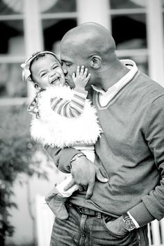 Daddy and his baby girl Another dad holding kid, and kissing his kid on the cheek while his kid has nothing but a smile on his face Beautiful Family, Family Love, Beautiful Babies, Black Fathers, Fathers Love, Daddys Little Girls, Daddys Girl, Happy Together, Daddy Daughter