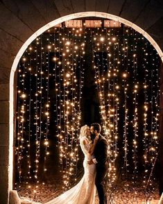 String Light Wedding Decor That Makes Our Hearts Glow Up - Swanky Wedding Cute Wedding Ideas, Perfect Wedding, Dream Wedding, Wedding Day, Wedding Inspiration, Wedding Bride, Wedding Shoes, Light Wedding, Wedding Hacks