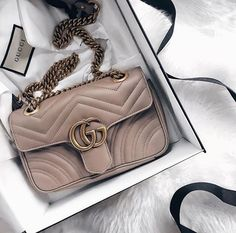 Gucci is a wonderful luxury brand with a high focus on opulence and class. Gucci Purses, Chanel Handbags, Leather Handbags, Luxury Bags, Luxury Handbags, Fendi, Ysl, Gucci Gang, Best Designer Bags