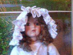боннет ещё один для коллекционной куклы