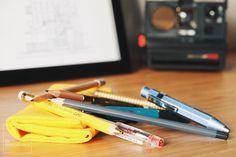 Hightide Penco Field Roll Case. Un estuche grande es la excusa perfecta para seguir comprando bolígrafos, plumas y lápices. Al fin y al cabo hay que llenarlo. ¯\_(ツ)_/¯ Foto por Asier G. Morato.