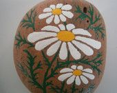 Painted Rock - White Daisy Flower - acrylic on rock - decorative rock - paperweight