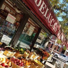 An  a day. . . . . . . . . . . . #nofilter #noedit #photo #instaphoto #fall #colors #leaves #boston #ma #massachusetts #newengland #apple  #food #foodie #travel #instatravel #wander #wanderlust #inspo #inspiration #walk #explore #health #newburystreet #monday #am #lmbvtravels