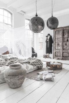 need bohemian inspiration? Look at paulinaarcklin.nl - wow, I want to live like that!