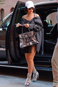 Discover recipes, home ideas, style inspiration and other ideas to try. Mode Rihanna, Rihanna Street Style, Rihanna Fenty, Rihanna Swag, Rihanna Outfits, Rihanna Fashion, Looks Rihanna, Stylish Outfits, Cute Outfits