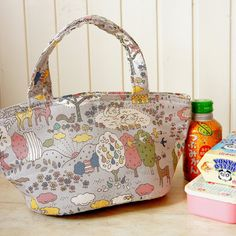 Bento Bag  Kawaii Japanese Kokka Fabric Insulated  by cottonblue, $24.00