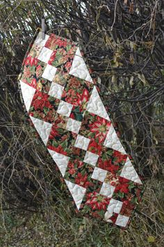 Christmas Table Runner Patchwork Quilt Runner by MagpieQuilts