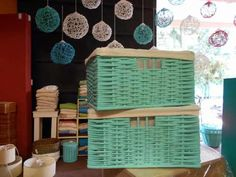 Canastos De Mimbre Con Funda 40x30x20 - $ 195,00 Picnic, Basket, Diy, Painted Wicker, Painted Furniture, Decorated Boxes, Assignment Planner, Everyday Fashion, Recycled Furniture