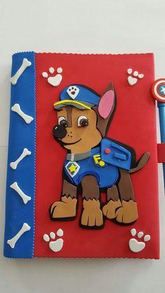 Ideas para forrar cuadernos con foamy o goma eva de niño Foam Crafts, Preschool Crafts, Easy Crafts, Diy And Crafts, Crafts For Kids, Arts And Crafts, Paper Crafts, Folder Decorado, Miki Mouse