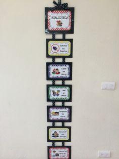 Reglamento para biblioteca de aula :) Class Teacher, Teacher Gifts, Class Birthdays, Birthday Display, Classroom Expectations, Birthday Charts, Kindergarten Class, Flower Template, Mothers Day Crafts