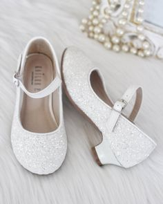 Flower girls shoes, Princess shoes dress up, glitter shoes – Kailee P. Flower Girl Shoes, Girls Dress Shoes, Girls Heels, Kid Shoes, Shoes Heels, Flower Girls, High Heels For Kids, First Communion Shoes, White Shoes For Girls
