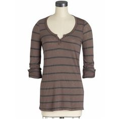 Celebrities who wear, use, or own Splendid Tab Sleeve Striped Henley. Also discover the movies, TV shows, and events associated with Splendid Tab Sleeve Striped Henley. Twilight Outfits, Twilight Pics, Twilight Saga, Aesthetic Fashion, Aesthetic Clothes, Fall Winter Outfits, Winter Fashion, Mode Ulzzang, Henley Top