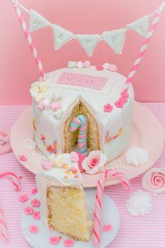 frau zuckerfee cake decorating with buttercream and sprinkles verzierte torten pastellfarben. Black Bedroom Furniture Sets. Home Design Ideas