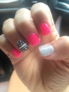 Summer Aztec nail design. Hot pink nails. Gel shellac mani glitter
