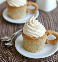 Cake coffee cups, San Francisco style!