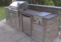 Charlie, the grill master, would love this set up!
