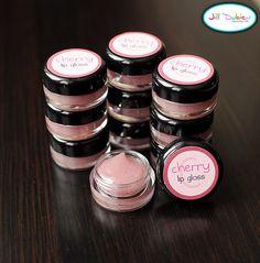 Make your own lip gloss DIY