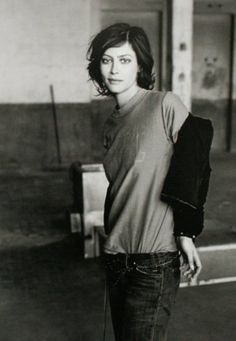 Style (Anna Mouglaglis, photo by Peter Lindbergh)