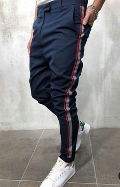 Modern day fashion sneakers have little likeness to their early forerunners but their popularity continues to be undiminished. Fashion Pants, Sneakers Fashion, Mens Fashion, Fashion Outfits, Casual Wear, Casual Outfits, Men Casual, Men Looks, Men Street
