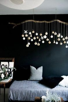 33 Christmas decoration ideas and practical tips for an atmospheric party - Fresh ideas for the interior, decoration and landscape - Weihnachtsdeko - christmas decoration diy ideas puristic christmas decoration christmas tree decorations - Christmas Living Rooms, Christmas Home, Christmas Holidays, Christmas Crafts, Christmas Ornaments, Diy Ornaments, Homemade Christmas, Christmas Tree On Wall, Elegant Christmas