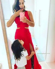 Vestido DIVO usado pela Thassia Naves, da Unity Seven. Por que mãe também pode!  Como mãe, perder-se de si mesma é fácil em meio à rotina insana, priorizar-se um pouco