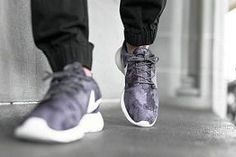 A new collection from Hunter Original Core Concept is seasonless weatherproof and playful combining heritage design with contemporary fabrics to celebrate our unique relationship with rain. Nike Water Shoes, Nike Sb Shoes, Nike Shoes Cheap, Nike Free Shoes, Nike Shoes Outlet, Sports Shoes, Basketball Shoes, Discount Mens Shoes, Discount Nikes