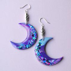 Galaxy Moon Dangle Earrings Jewelry Moon Earrings, Soft Grunge, Space... (98 RON) ❤ liked on Polyvore featuring jewelry, earrings, galaxy jewelry, rainbow earrings, rainbow jewelry, unicorn earrings and long dangle earrings
