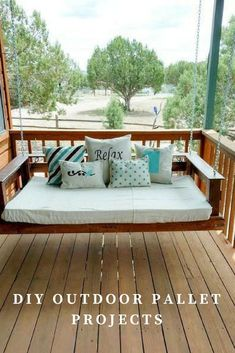 ideas for pallet patio furniture diy swing beds Outdoor Pallet Projects, Pallet Patio Furniture, Diy Pallet Sofa, Best Outdoor Furniture, Unique Furniture, Furniture Plans, Home Furniture, Diy Projects, Wooden Furniture